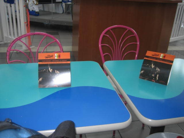 spm-food-court-tables
