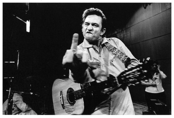 johnny_cash_flipping_the_bird_middle_finger